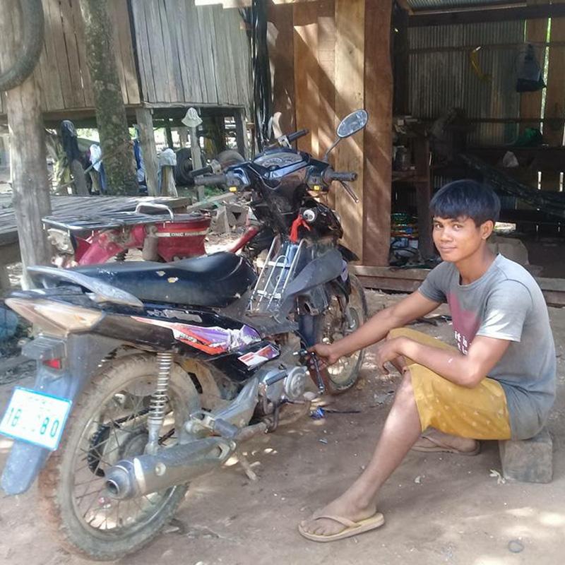 gifts for good motorbike mechanic apprenticeship