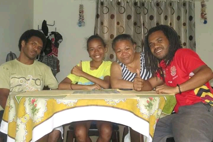 family in papua new guinea